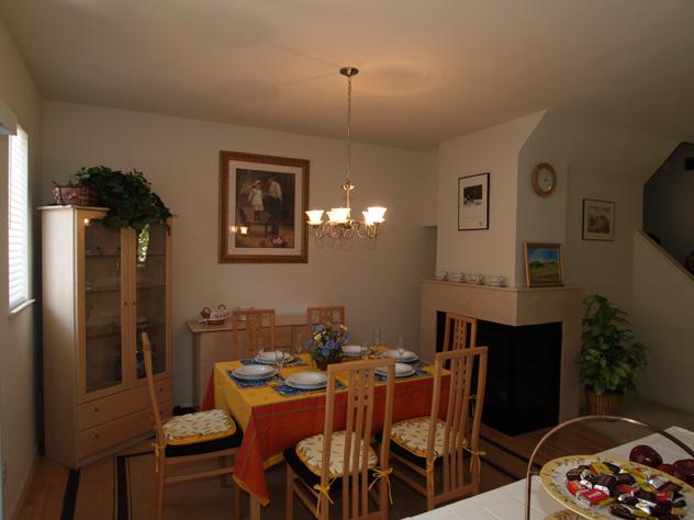 Dining  - 157 Irene