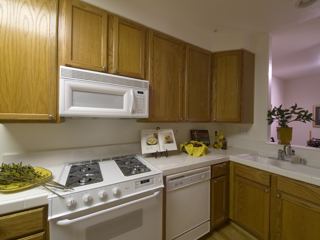 Kitchen1  - 128 Pacchetti Way