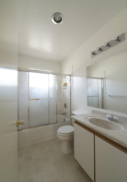 Bathroom (B) - 2025 California St 33