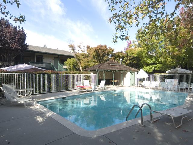 Pool  - 2025 California St 33