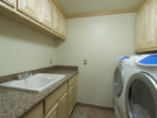 300 Sequoia Ave, Palo Alto 94306 - Laundry