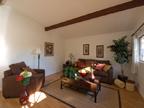 Living Roomb