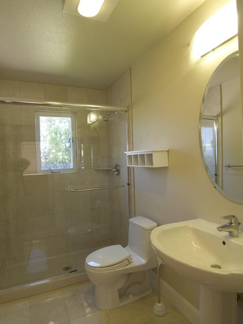 Bath Main Floor