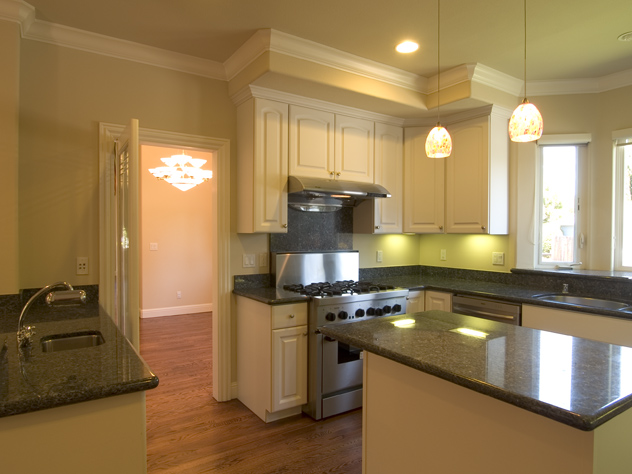 Kitchen (A) - 186 Monroe Dr