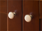 3263 Murray Way, Palo Alto 94303 - Knobs