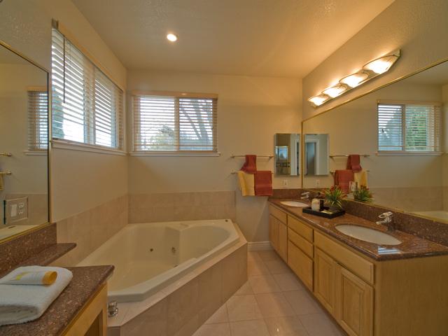Bath  - 871 Sycamore Dr