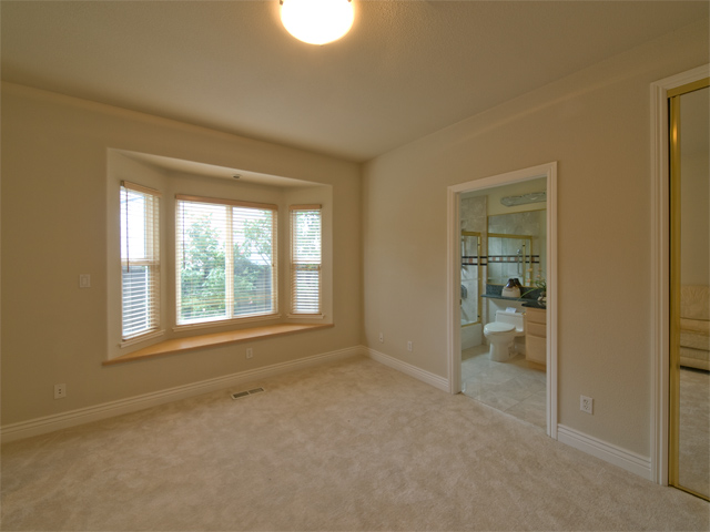 Suite2  - 871 Sycamore Dr