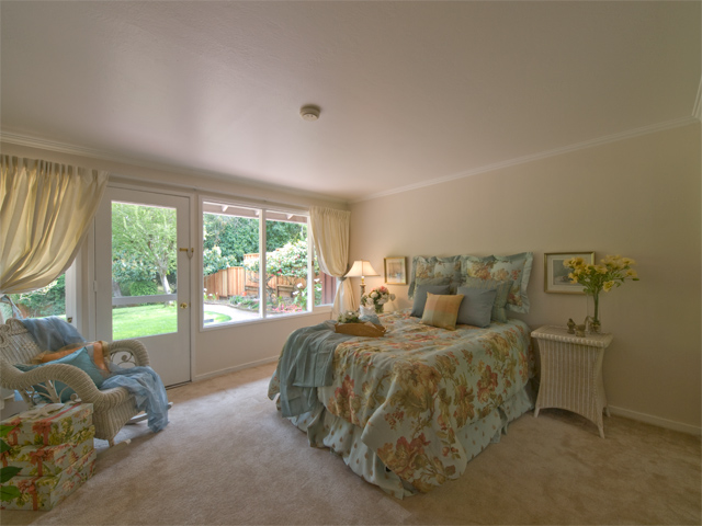 Master Bedroom (A) - 605 W Hillsdale Blvd