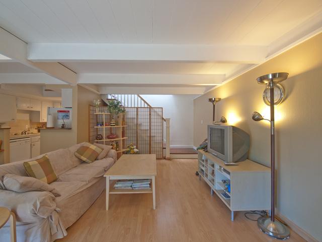 Living Room (A) - 278 Monroe Dr 34