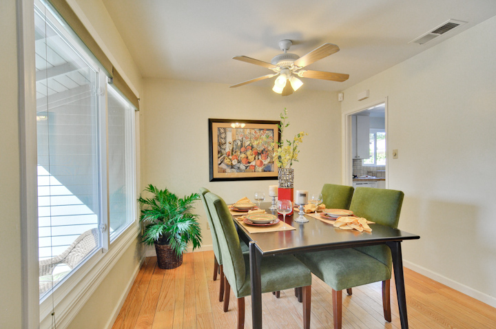 Dining Room (A) - 300 Monroe Dr