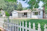 300 Monroe Dr, Mountain View 94040 - Front Yard (G)