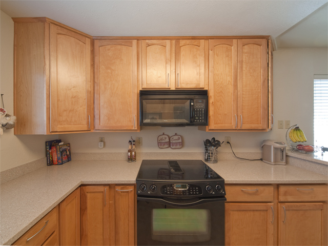 Kitchen (B) - 3270 Saint Ignatius Pl