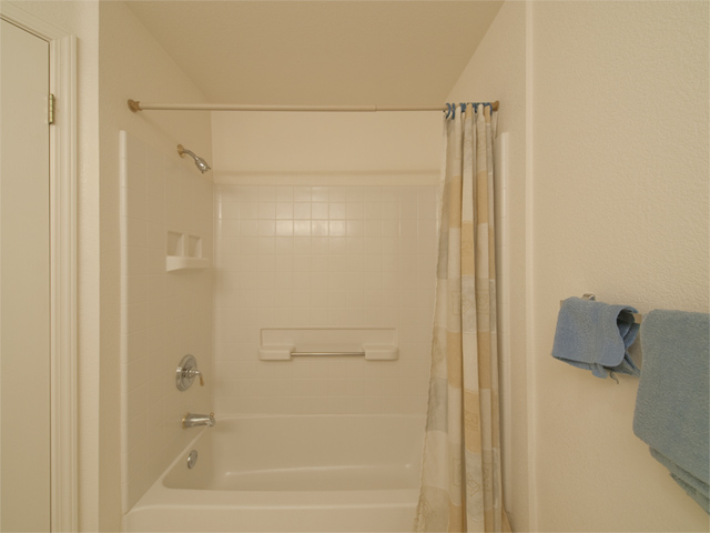Bathroom3 Tub  - 2255 Showers Dr 341