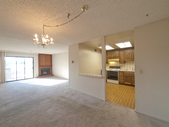 Dining Living (A) - 49 Showers Dr W302