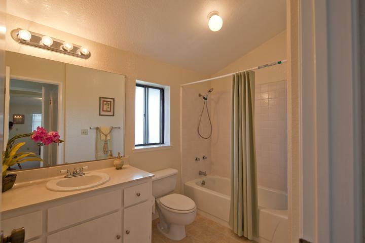 Bathroom 2a  - 10069 Craft Dr