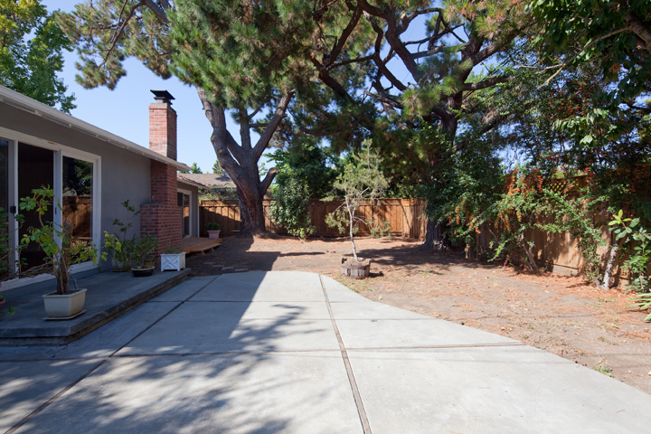 Backyard (B) - 1032 Cuesta Dr