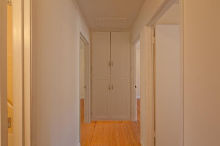 Hall (A)