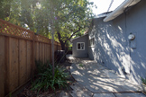 1032 Cuesta Dr, Mountain View 94040 - Sideyard