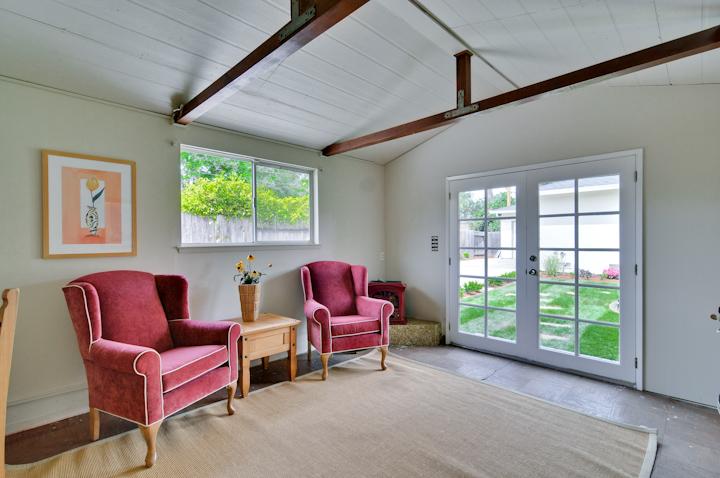 Office Interior Pic1