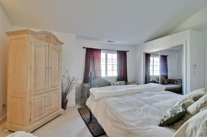 Master Bedroom (E) - 4930 Paseo Tranquillo