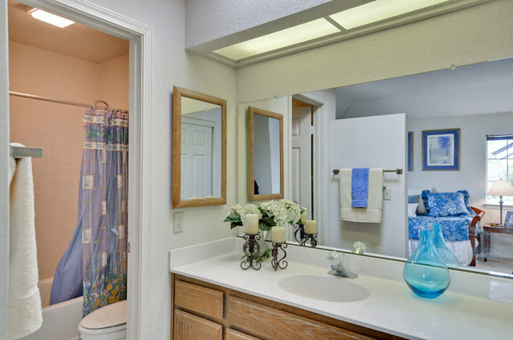 Downstairs Master Suite Bathroom (A) - 317 Starfish Ln