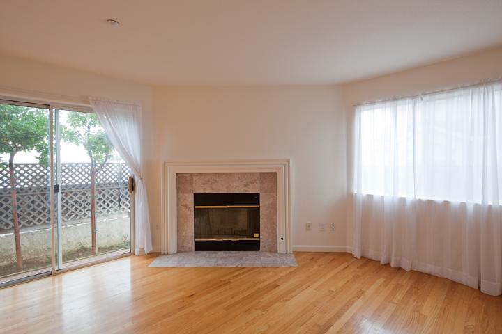Living Room (B) - 3557 Sunnydays Ln