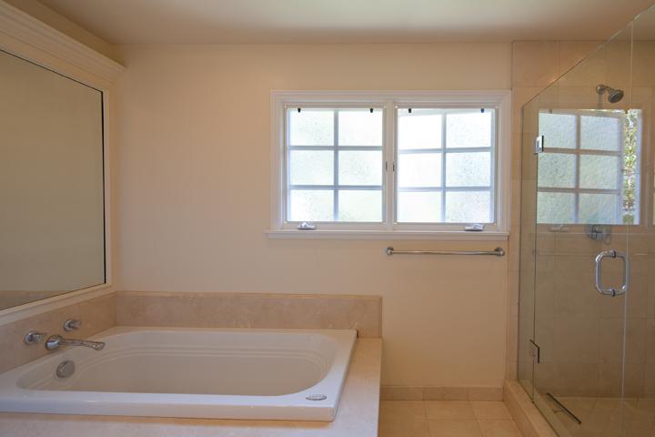 Upstairs Bath (C) - 265 Tennyson Ave