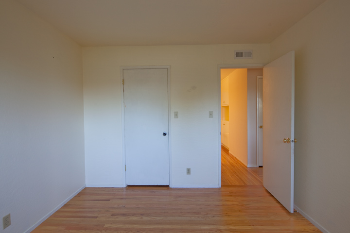 Bedroom 3 (B) - 1474 Wildrose Way