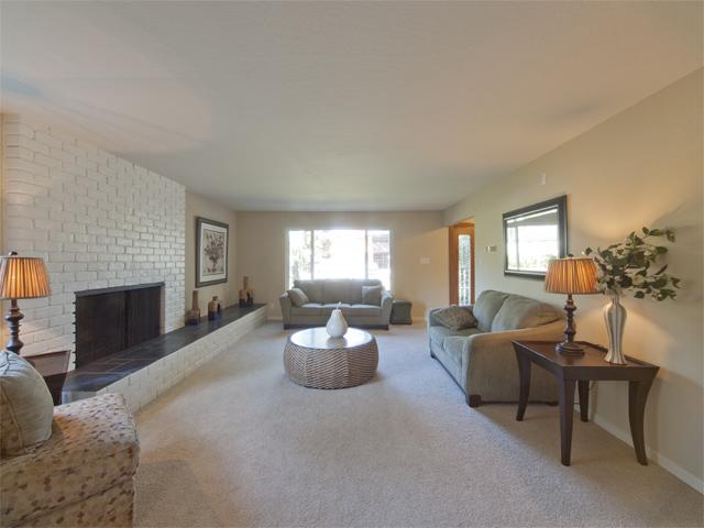 Living Room (B) - 709 Charleston Ct