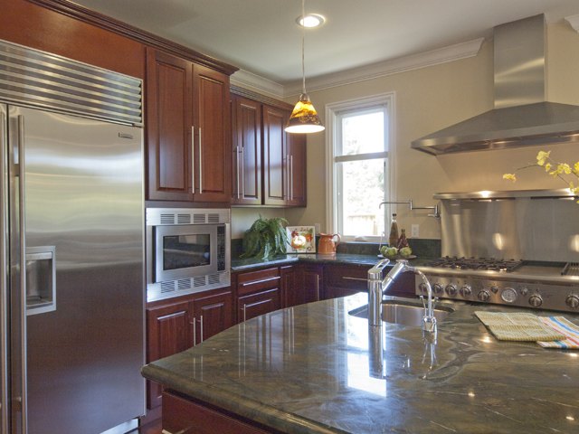 Kitchen (D) - 4198 Coulombe Dr