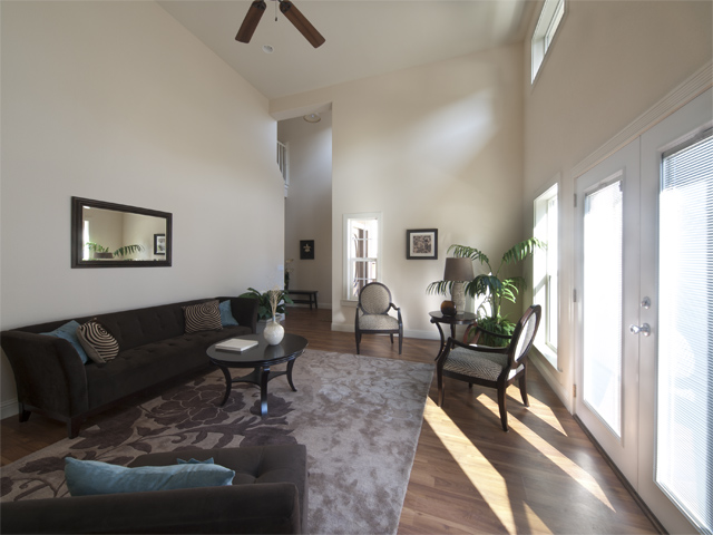 Living Room (A) - 1157 Garfield Ave