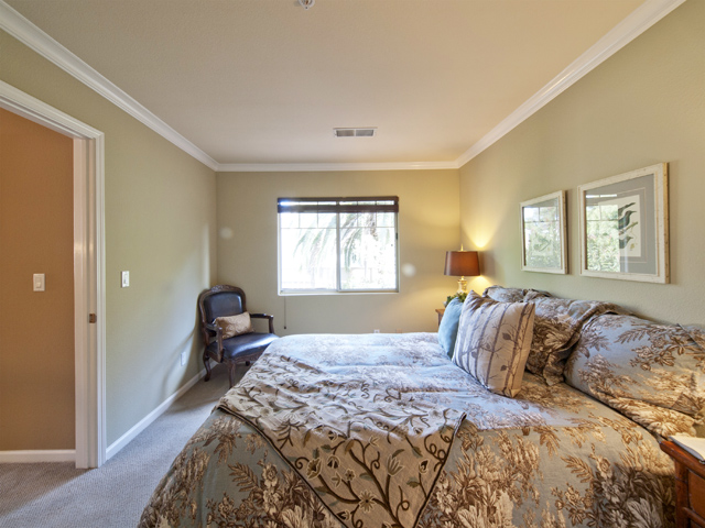 Bedroom 2 (B) - 125 Gladys Ave