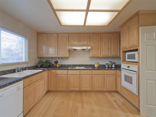 Kitchen (C) - 10577 Johansen Dr
