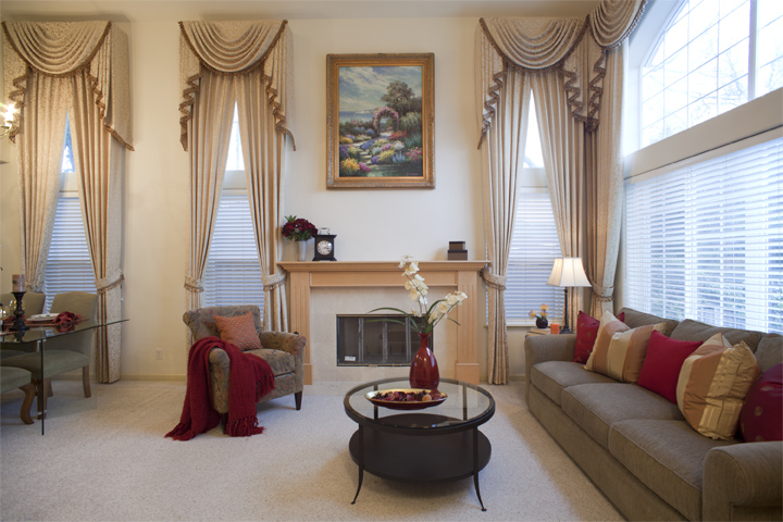 Living Room (A) - 10577 Johansen Dr