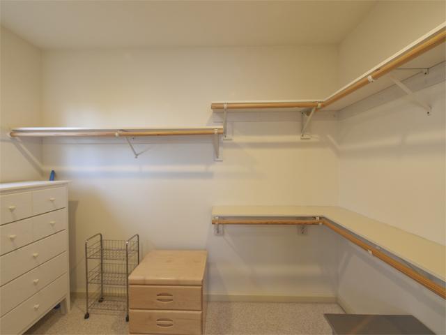 Master Closet (C) - 10577 Johansen Dr