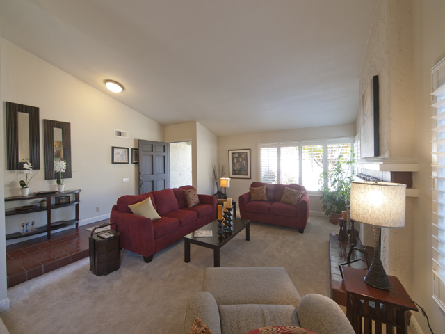 Living Room (B) - 18 Portofino Cir