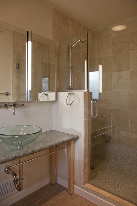 Master Bath (A) - 614 Torwood Ln