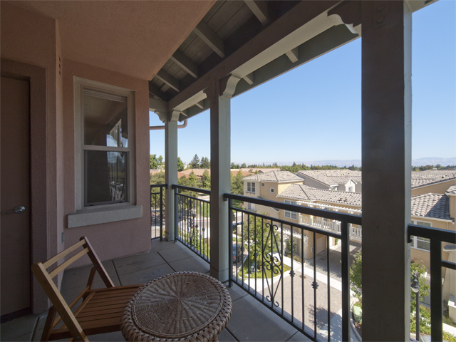 Balcony (B) - 20500 Town Center Ln 265