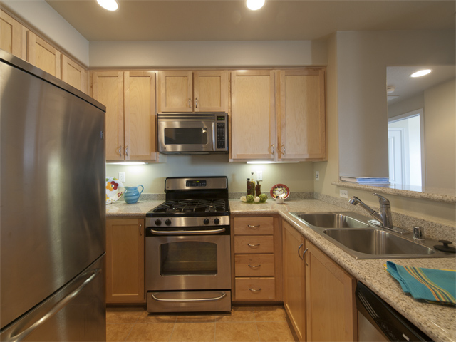 Kitchen (B) - 20500 Town Center Ln 265
