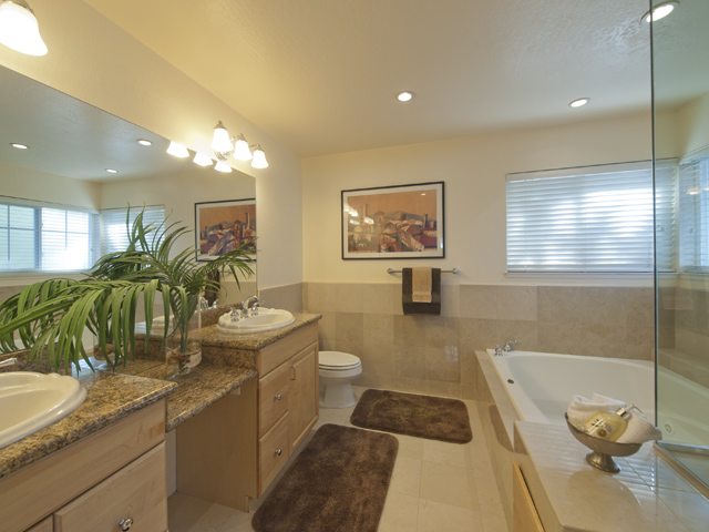 Master Bath (A) - 2116 Windrose Pl