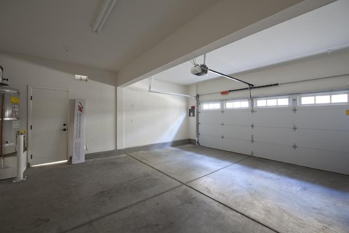 Garage (A) - 139 Azalea Dr