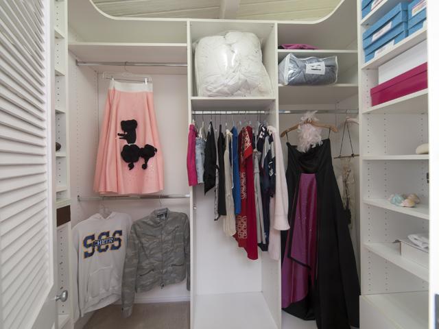 Closet 2 (A)