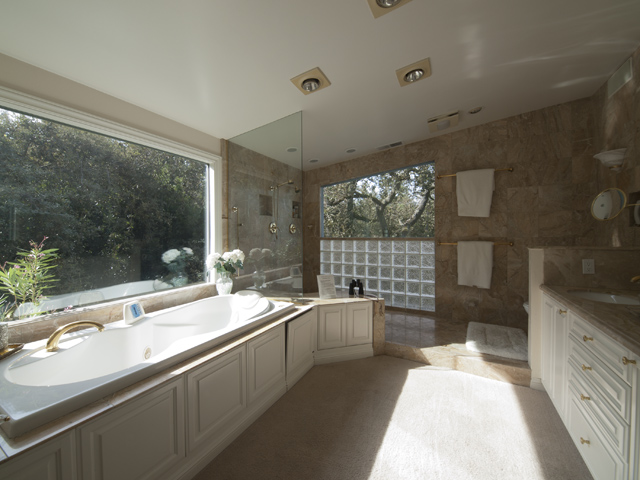 Master Bath (A) - 27197 Black Mountain Rd