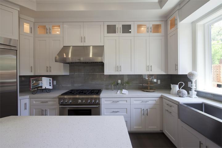 Kitchen (A) - 886 Chimalus Dr