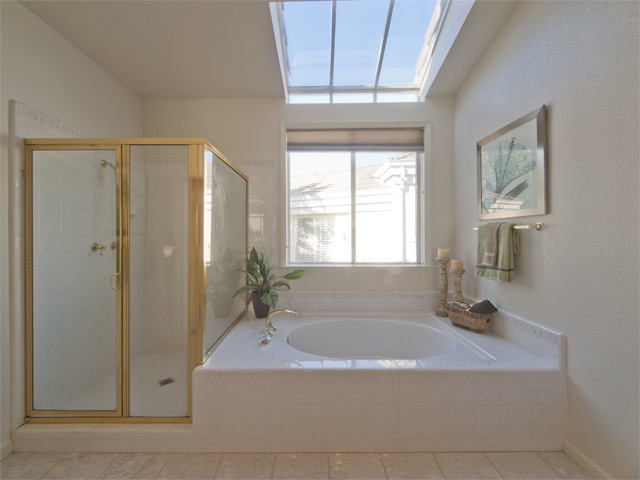 Master Bath (B) - 810 Corriente Point Dr