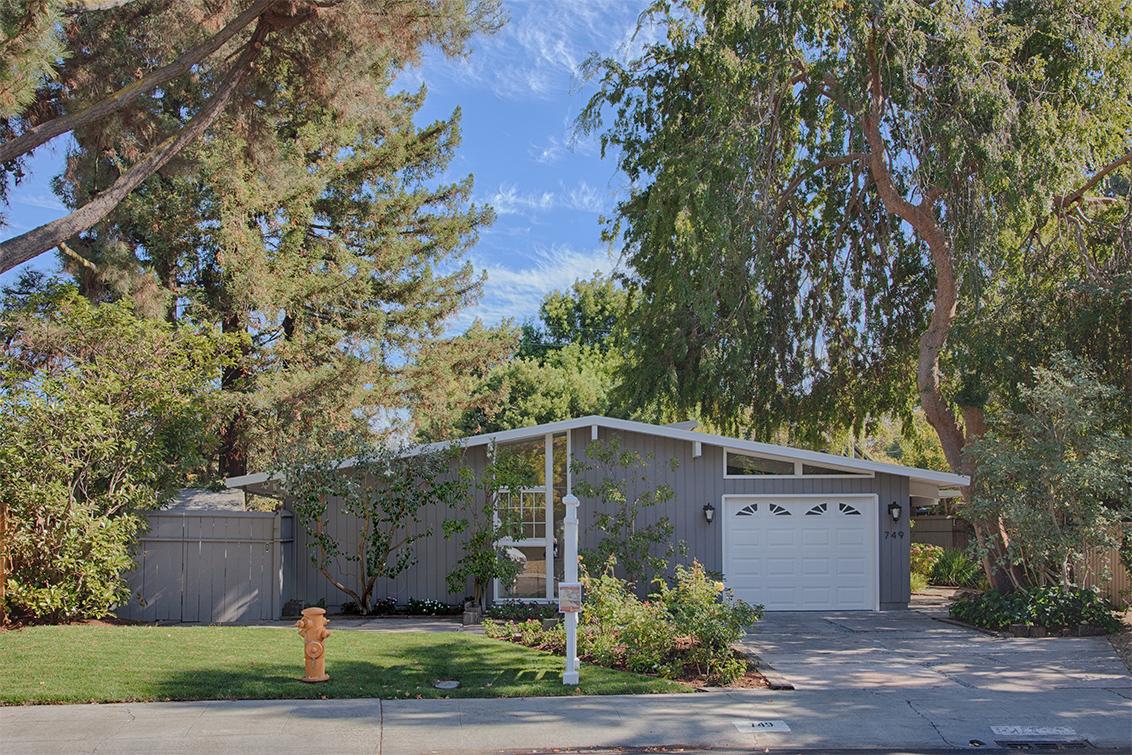 Picture of 749 De Soto Dr, Palo Alto 94303 - Home For Sale