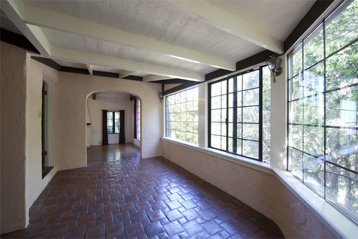 Entry Sunroom (B) - 1826 Hillman Ave