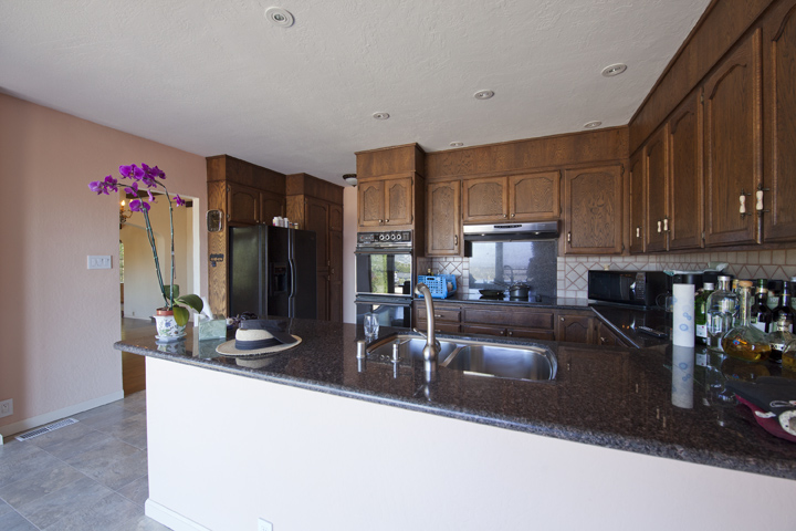 Kitchen (A) - 1826 Hillman Ave