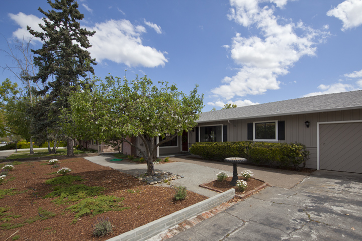 517 Los Ninos Way, Los Altos 94022