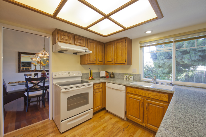 Kitchen (B) - 6502 Mcabee Rd